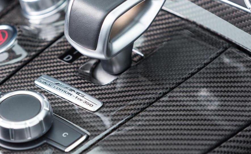2015 Mercedes-Benz SLS AMG GT Final Edition coupe - Slide 24