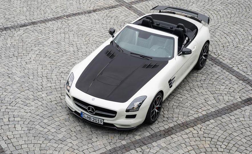 2015 Mercedes-Benz SLS AMG GT Final Edition coupe - Slide 23