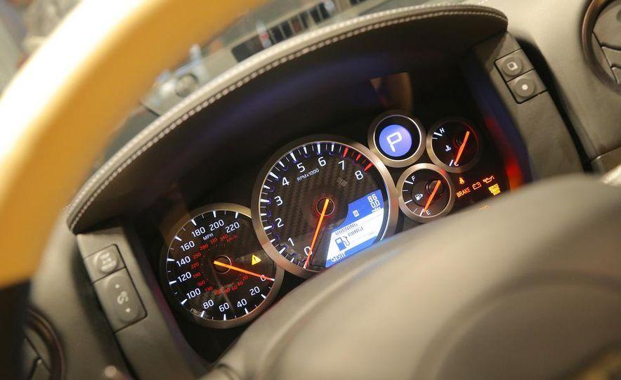 2015 Nissan GT-R - Slide 42
