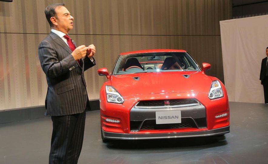 2015 Nissan GT-R - Slide 18