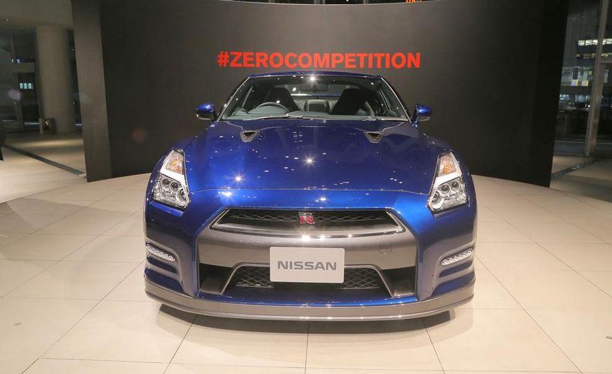 2015 Nissan GT-R - Slide 32