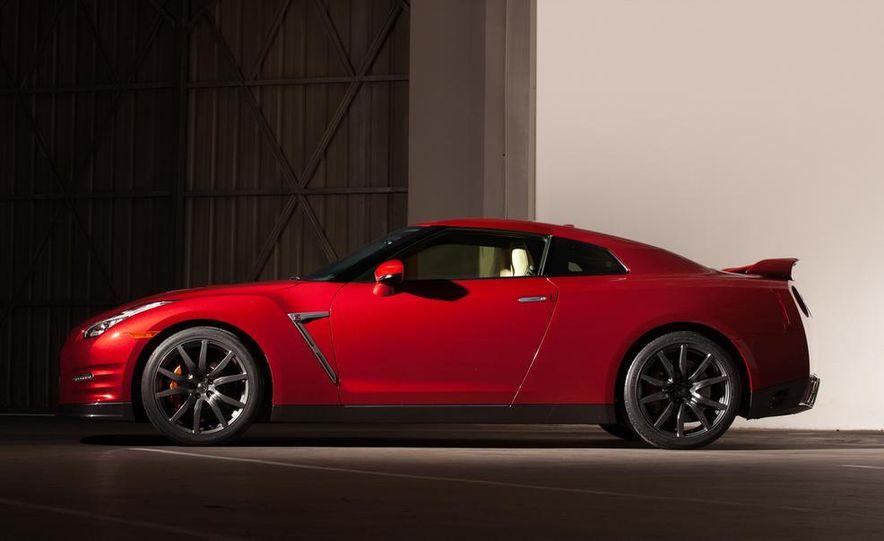 2015 Nissan GT-R - Slide 47