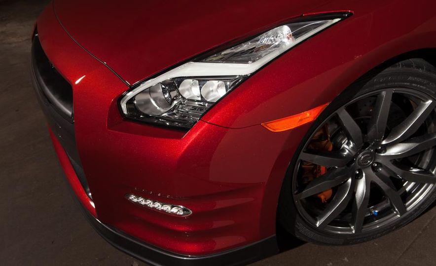 2015 Nissan GT-R - Slide 51