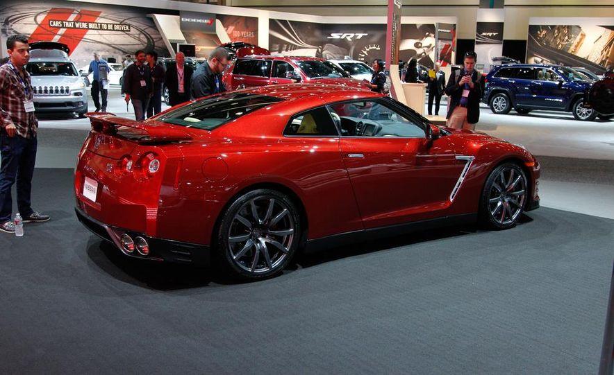 2015 Nissan GT-R - Slide 4