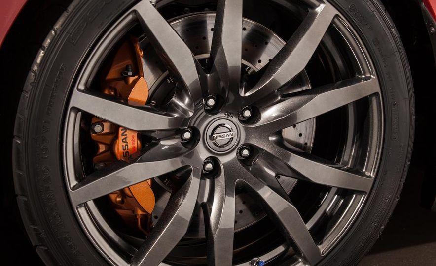 2015 Nissan GT-R - Slide 59