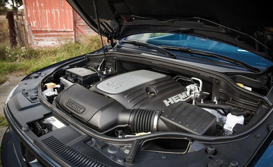 2014 Dodge Durango R/T RWD - Slide 56