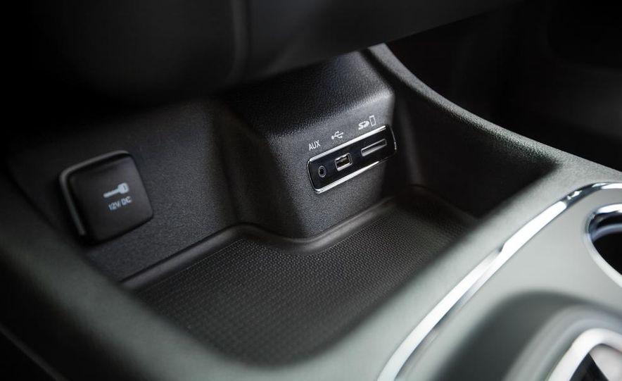 2014 Dodge Durango R/T RWD - Slide 55