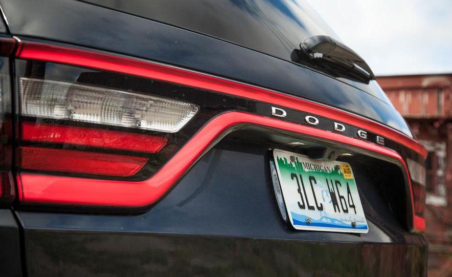 2014 Dodge Durango R/T RWD - Slide 23