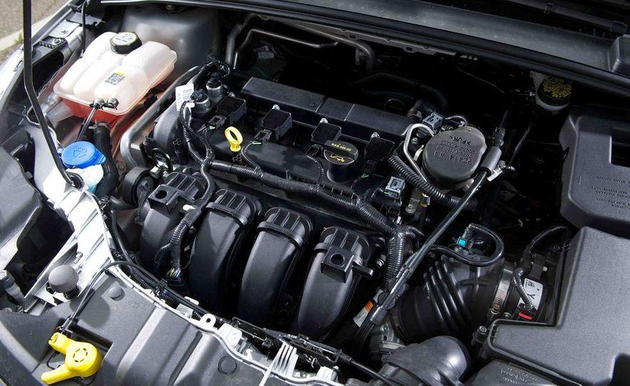 2012 Ford Focus SE - Slide 12