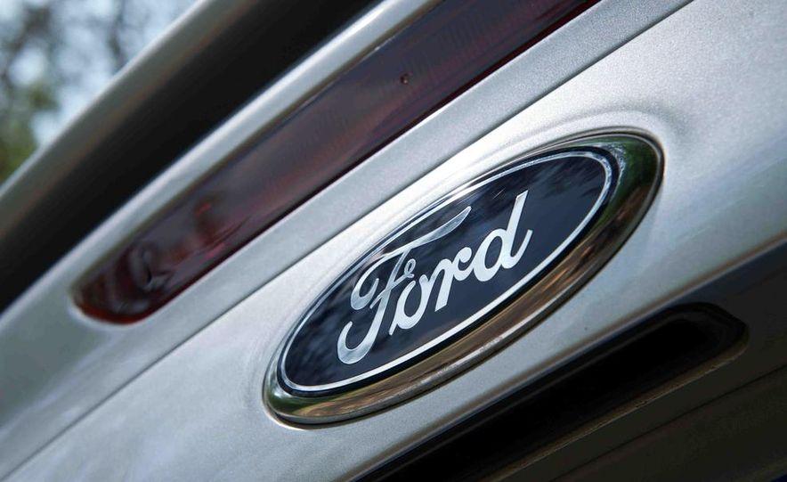 2012 Ford Focus SE - Slide 5