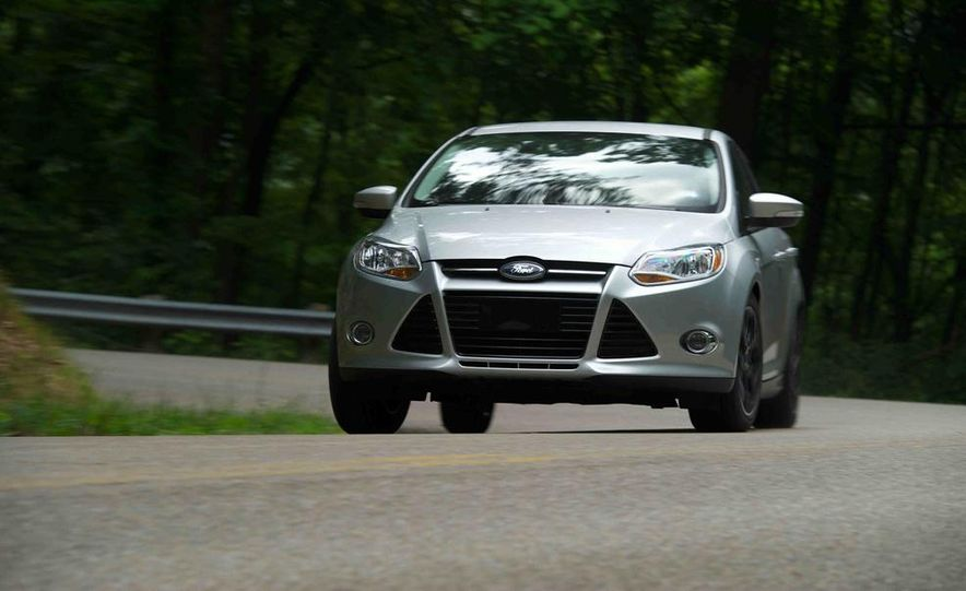 2012 Ford Focus SE - Slide 3