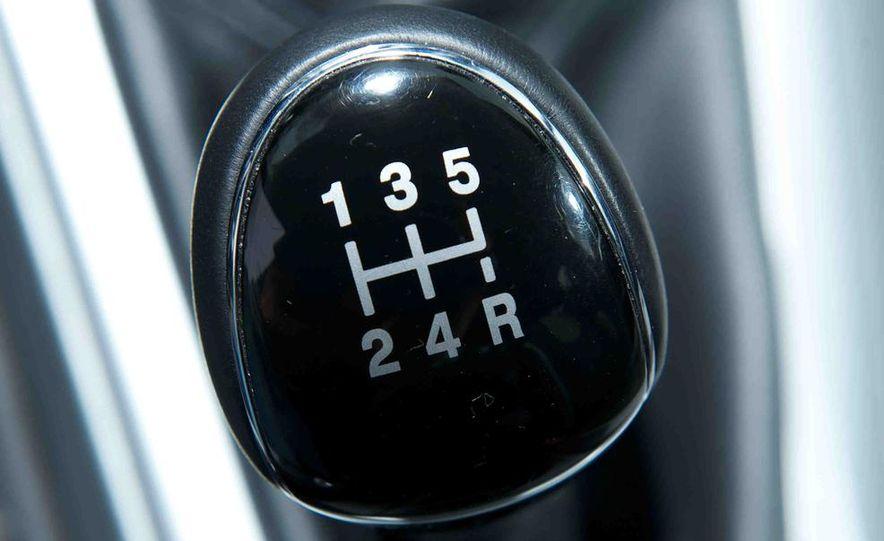 2012 Ford Focus SE - Slide 11