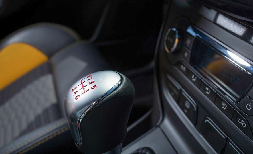 2012 Ford Focus SE - Slide 58