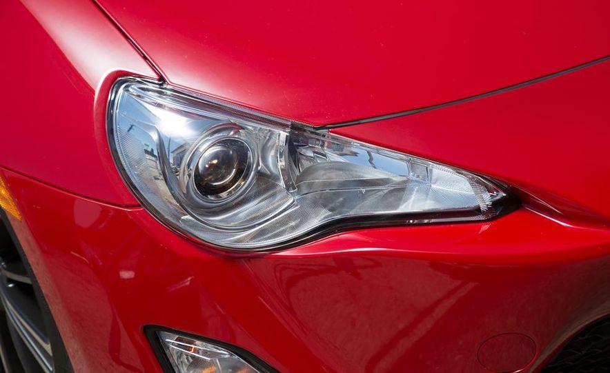 2012 Ford Focus SE - Slide 91