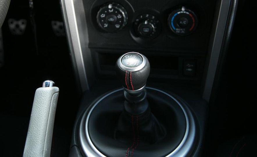2012 Ford Focus SE - Slide 95