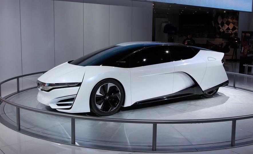Honda FCEV concept - Slide 1