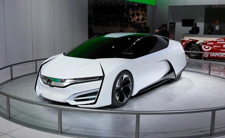 Honda FCEV concept - Slide 2
