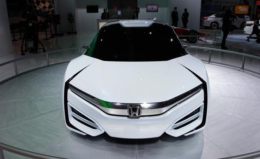 Honda FCEV concept - Slide 3