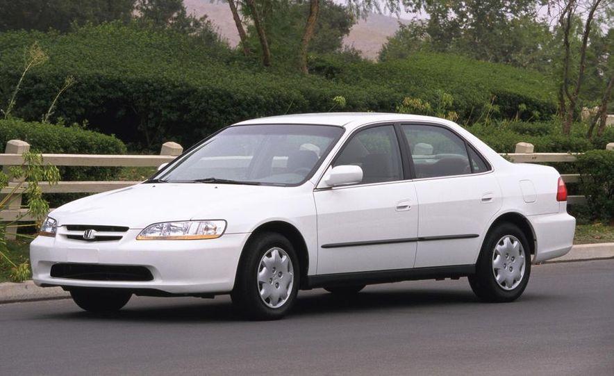 2000 Honda Accord LX - Slide 1