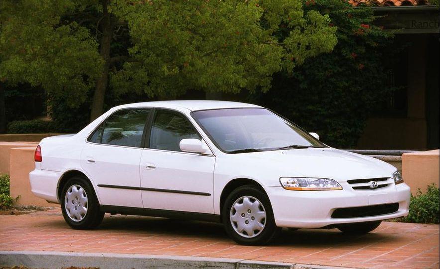 2000 Honda Accord LX - Slide 2