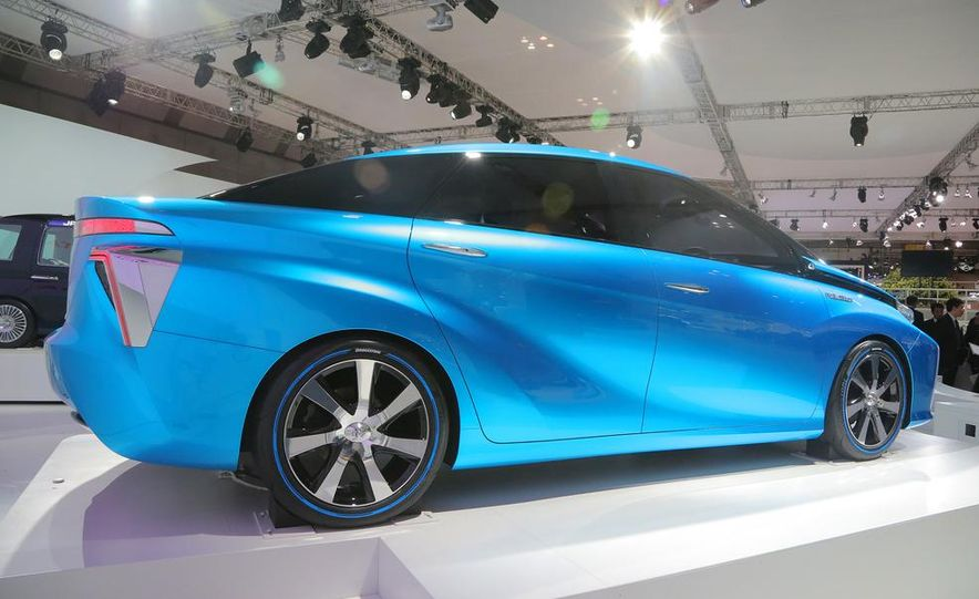 Toyota FCV concept - Slide 6