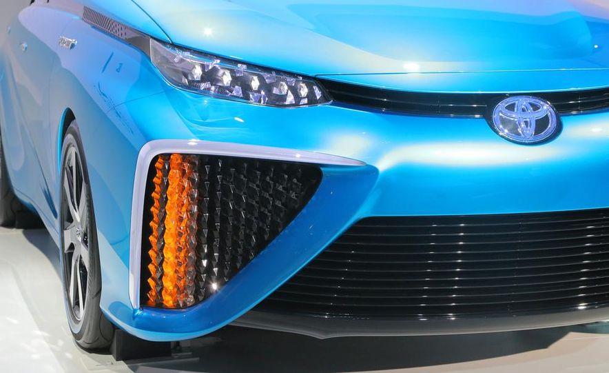 Toyota FCV concept - Slide 8