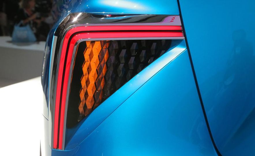 Toyota FCV concept - Slide 12