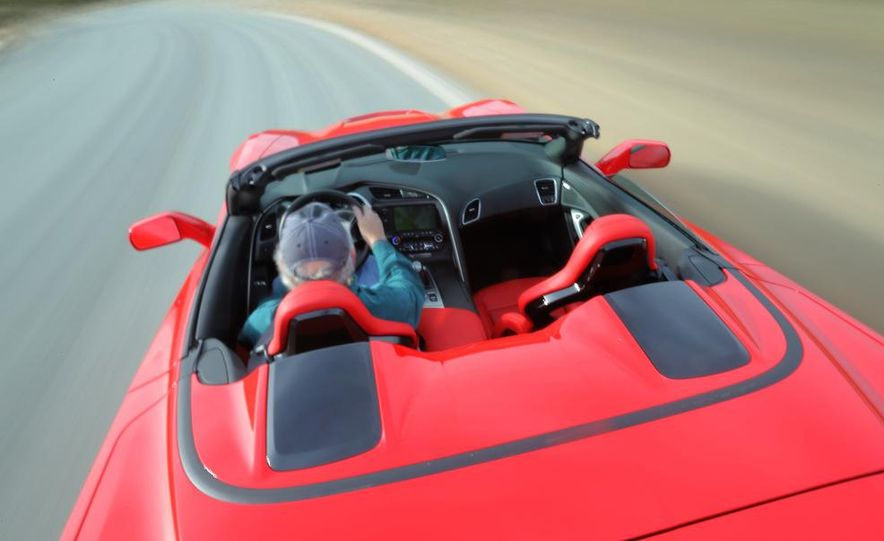 2014 Chevrolet Corvette Stingray convertible - Slide 9
