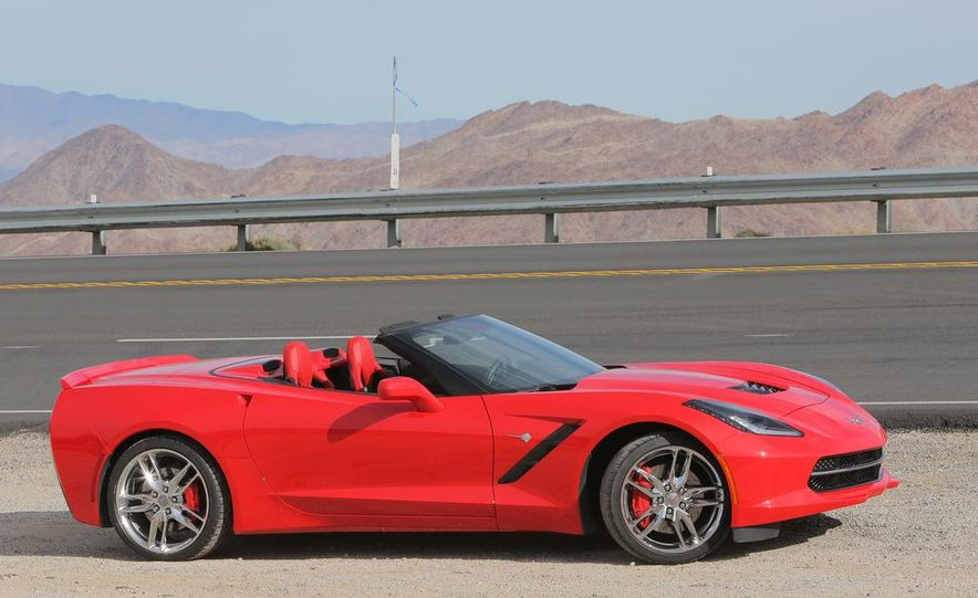 2014 Chevrolet Corvette Stingray convertible - Slide 12