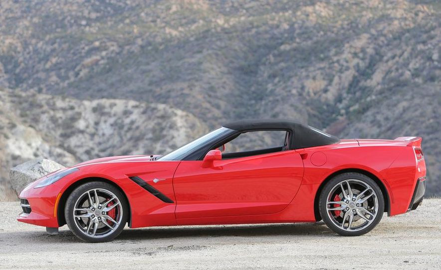 2014 Chevrolet Corvette Stingray convertible - Slide 23