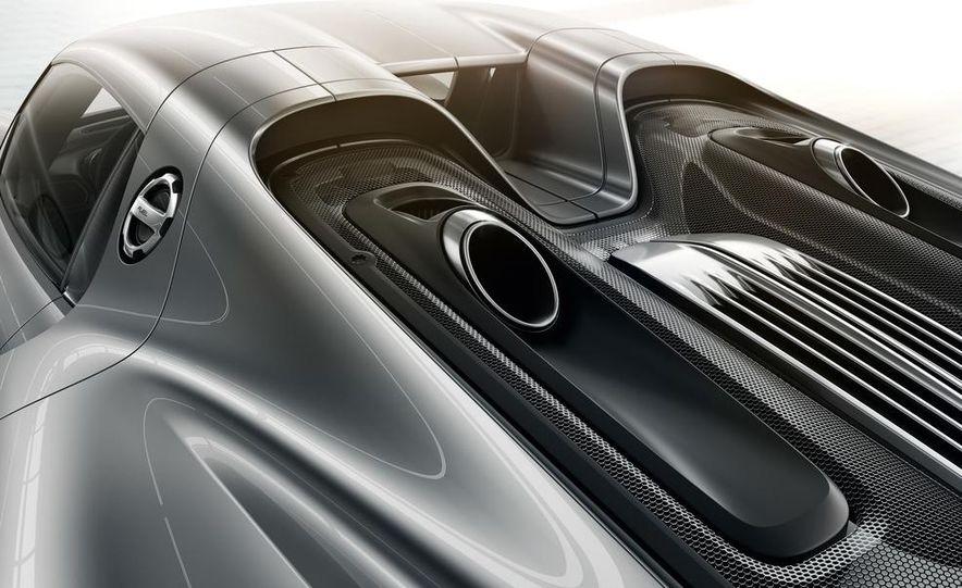 2015 Porsche 918 Spyder - Slide 29