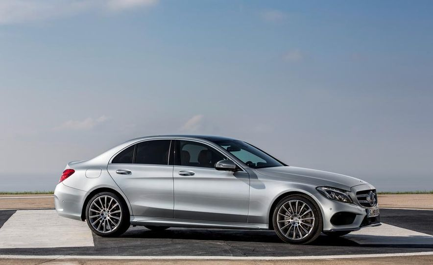 2015 Mercedes-Benz C400 - Slide 24