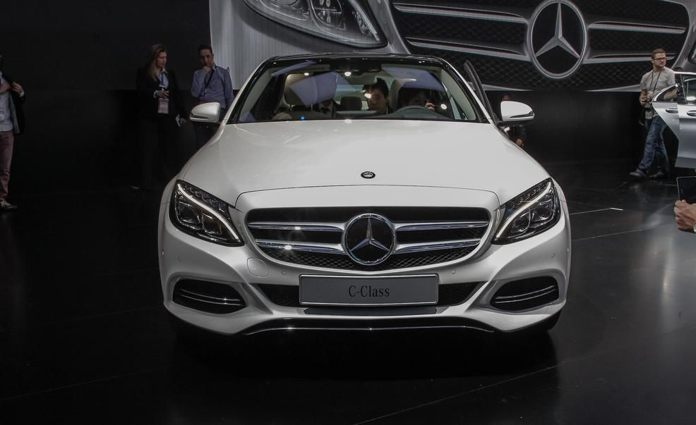 2015 mercedes benz c class photos and info news car and driver