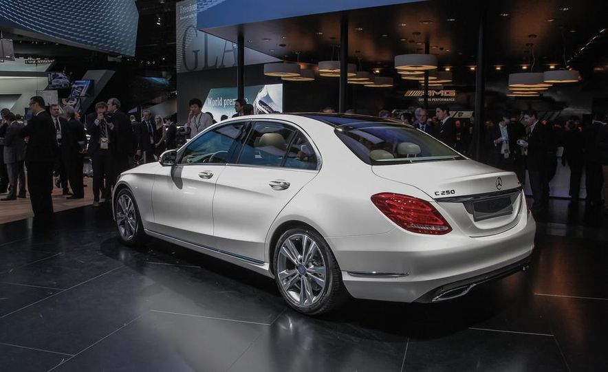 2015 Mercedes-Benz C400 - Slide 8