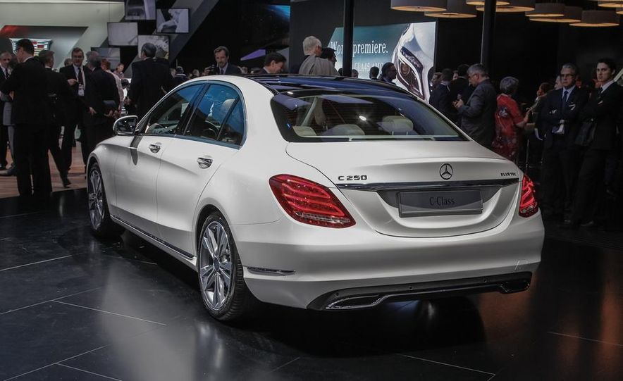 2015 Mercedes-Benz C400 - Slide 9