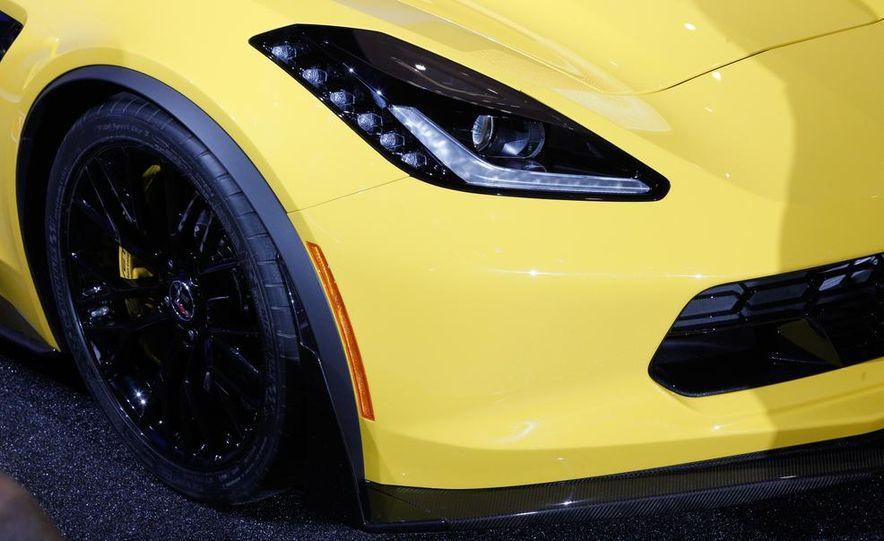 2015 Chevrolet Corvette Z06 - Slide 15