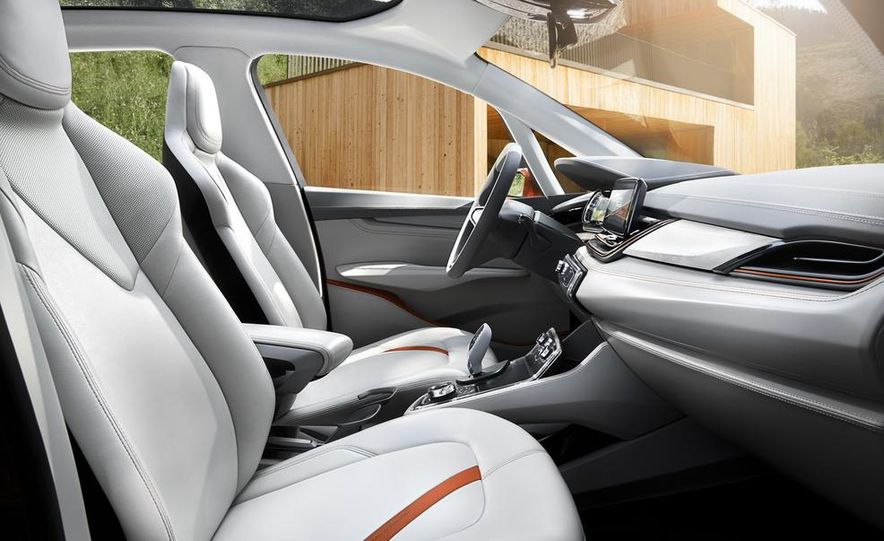 2015 BMW 225i Active Tourer (spy photo) - Slide 32