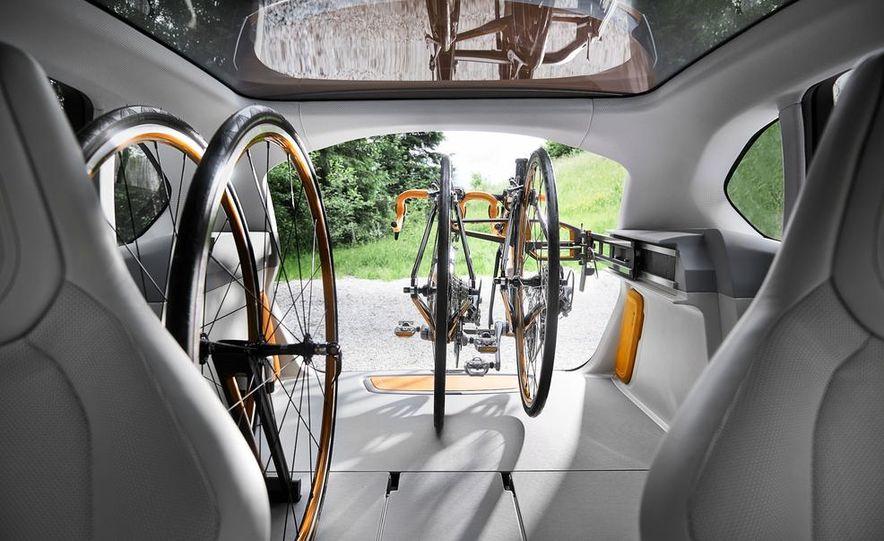 2015 BMW 225i Active Tourer (spy photo) - Slide 37