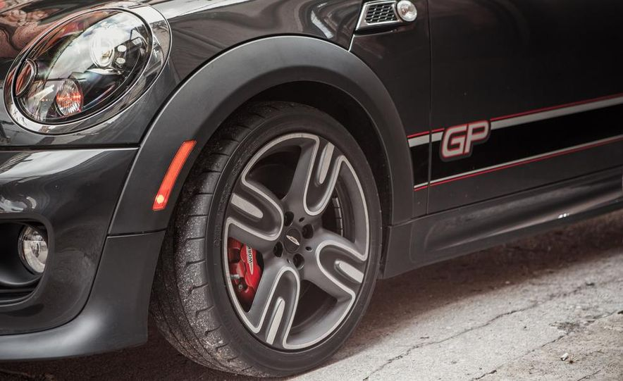 Mini John Cooper Works concept - Slide 44