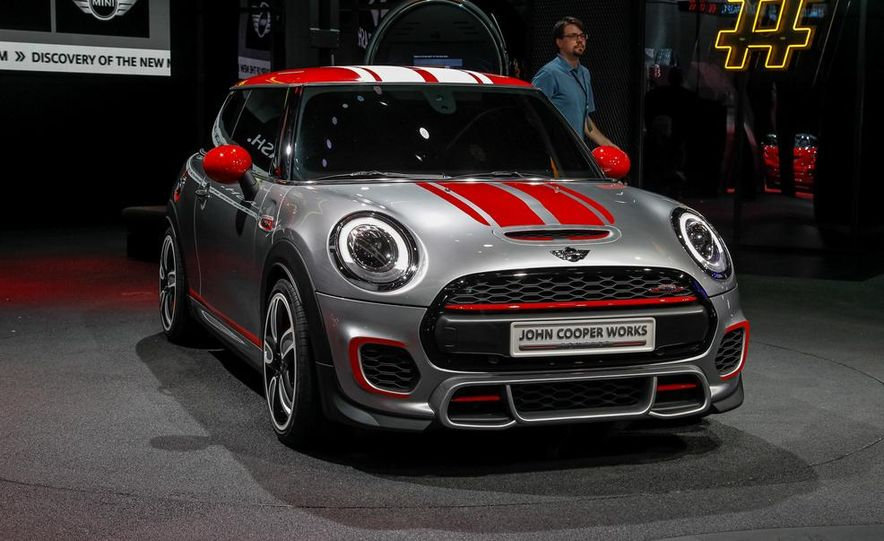 Mini John Cooper Works concept - Slide 2