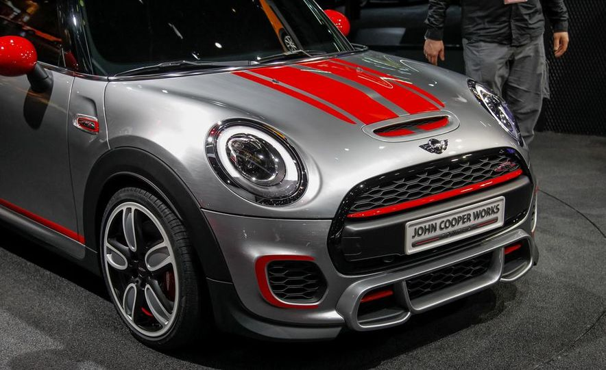 Mini John Cooper Works concept - Slide 13
