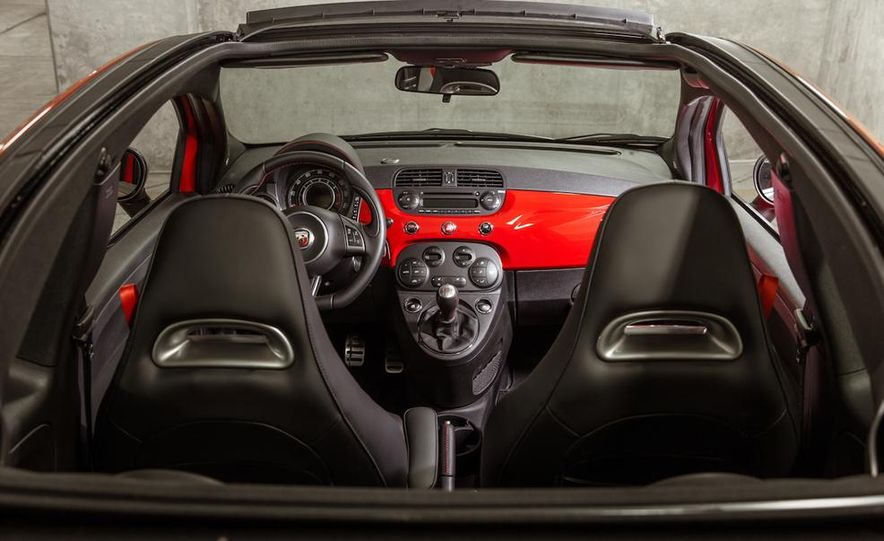 2015 Ford Mustang convertible - Slide 42