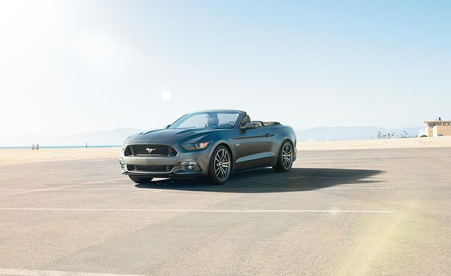 2015 Ford Mustang convertible - Slide 1