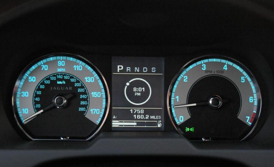 2013 Jaguar XF 2.0T - Slide 103