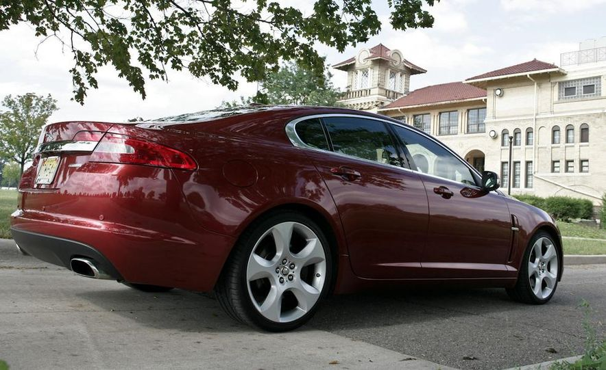 2013 Jaguar XF 2.0T - Slide 95