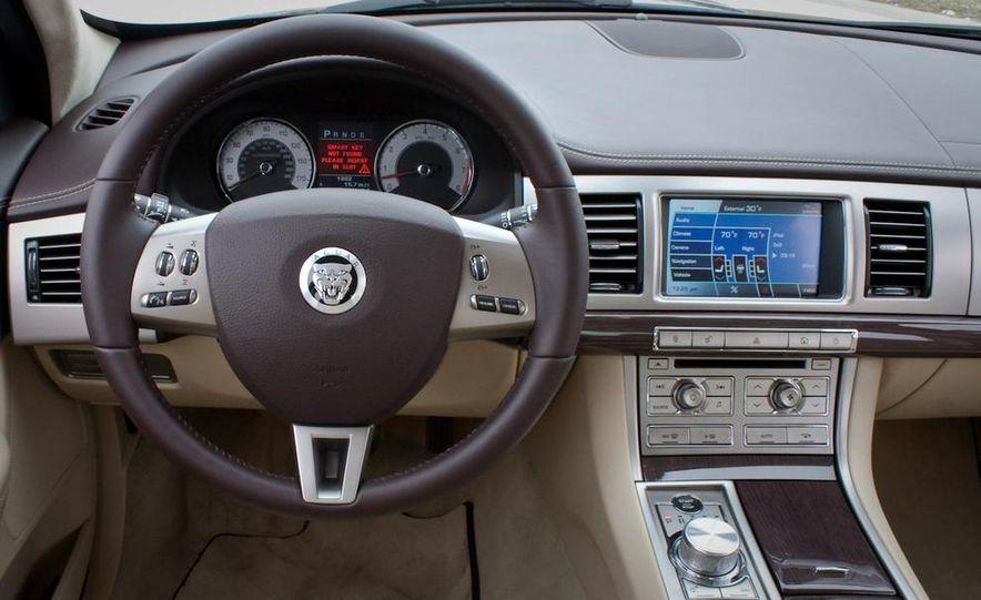 2013 Jaguar XF 2.0T - Slide 68