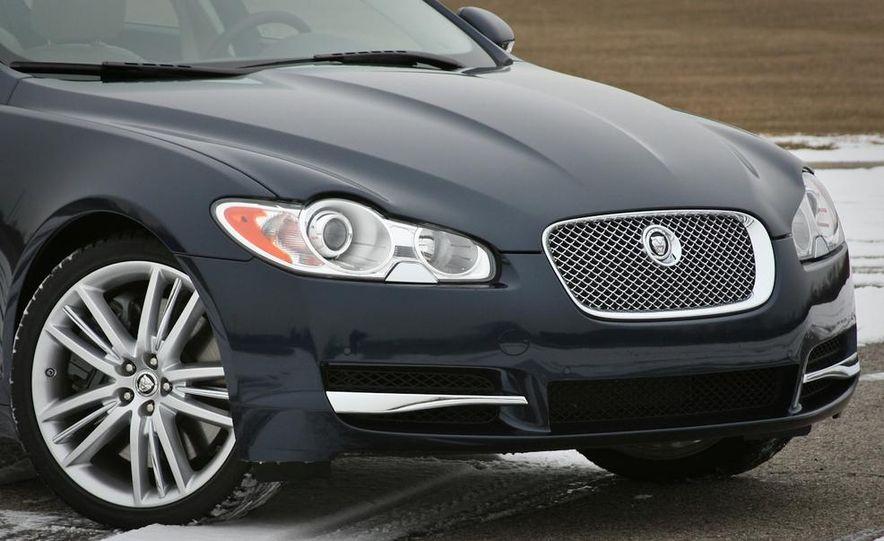 2013 Jaguar XF 2.0T - Slide 59