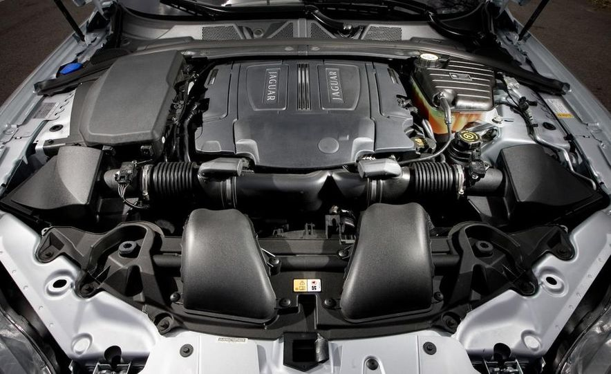 2013 Jaguar XF 2.0T - Slide 92