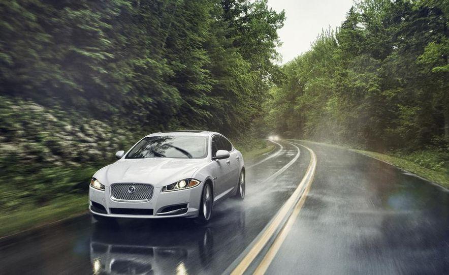 2013 Jaguar XF 2.0T - Slide 37