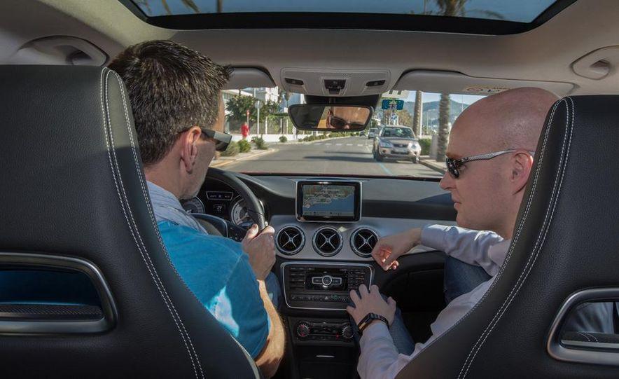 2015 Mercedes-Benz GLA-class - Slide 35